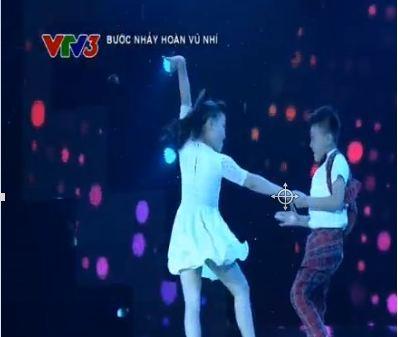 Bước nhảy hoàn vũ nhí 2015 tập 2: Thủy Tiên 'cướp' thí sinh 'mồ côi' xuất sắc 8
