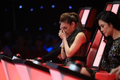 Giọng hát Việt tập 4 vòng đối đầu: 'Không ai muốn cứu thí sinh của mình' 4