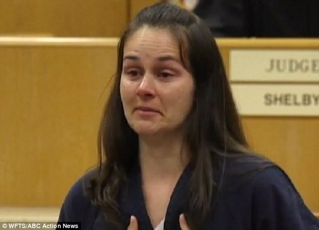 Mỹ: Cô giáo nhận 22 năm tù vì 'quan hệ' với 3 học sinh 1