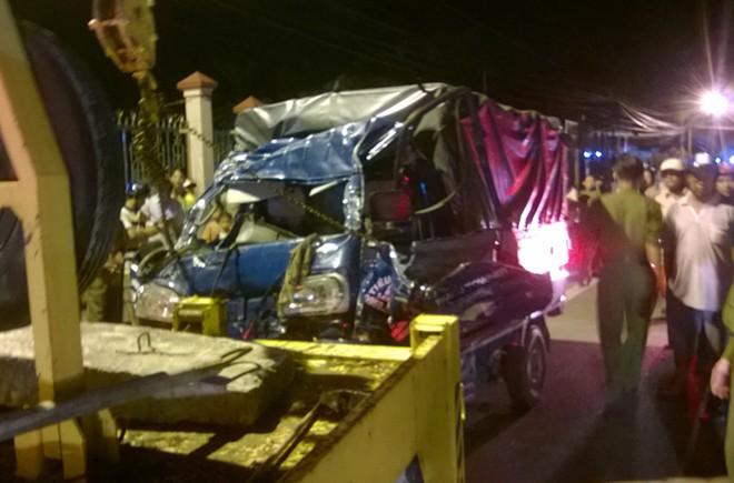 Tai nạn thảm khôc, cặp vợ chồng trẻ cùng con trai 4 tuổi tử vong 1