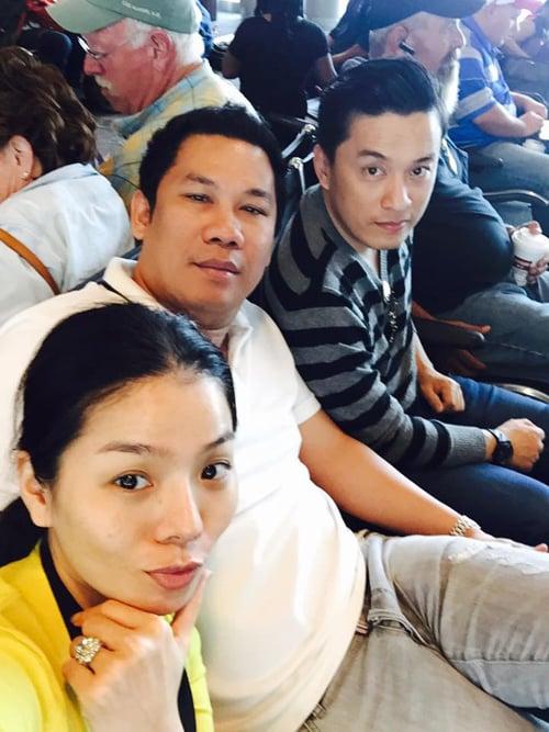 Hình ảnh Facebook sao Việt: Tuấn Hưng giản dị đi từ thiện, Thu Minh khoe nhẫn siêu bự số 9