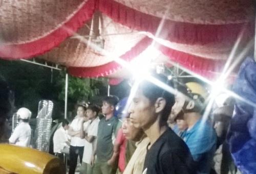 Hình ảnh Trọng án ở Bình Phước: Người thân nạn nhân khóc ngất số 2