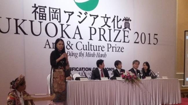 NTK Minh Hạnh nhận giải Nghệ thuật và Văn hóa của Nhật Bản 2015 2