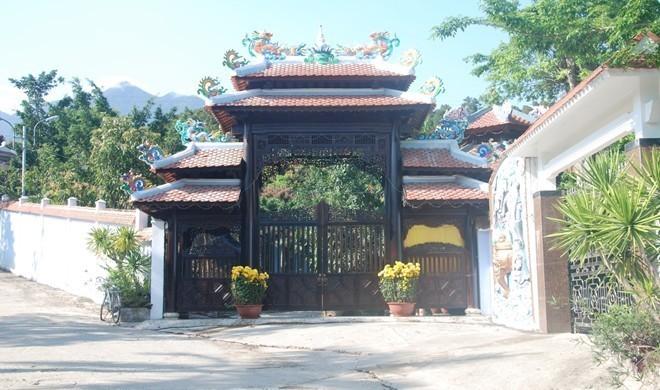 Tháo dỡ biệt phủ trái phép hơn 100 tỷ của đại gia vàng ở Đà Nẵng 1