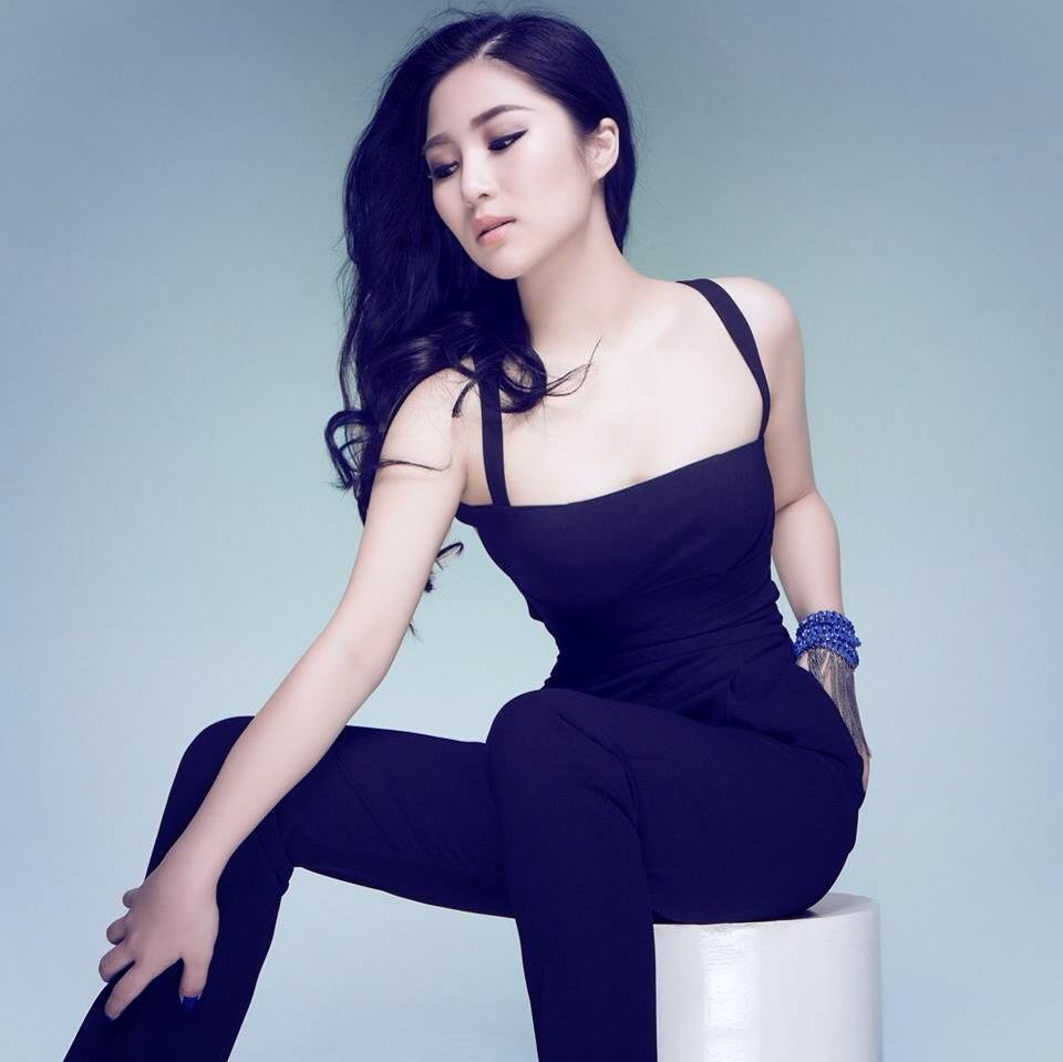 Những người đẹp Việt luôn bị cư dân mạng ném đá 7
