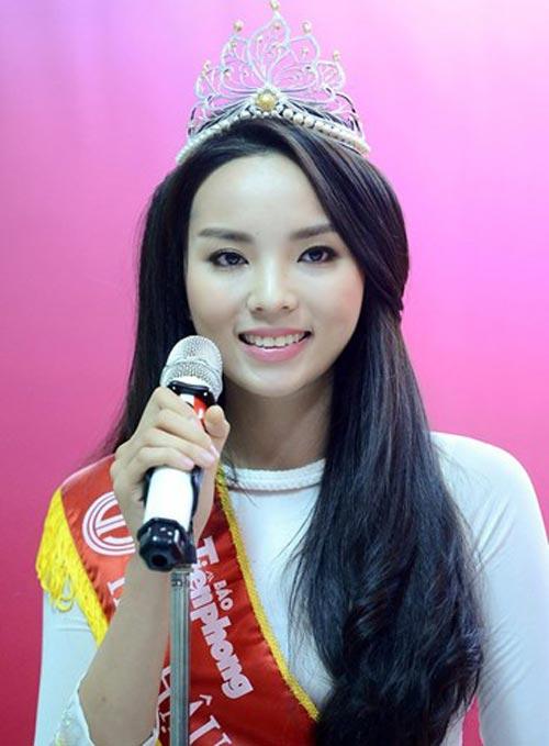 Những người đẹp Việt luôn bị cư dân mạng ném đá 1