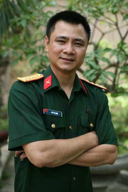 Tự Long, Hoài Linh có mặt trong danh sách phong tặng NSND, NSƯT 1