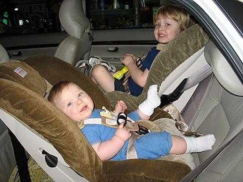 Những điều cần nhớ khi cho trẻ em đi ôtô 1