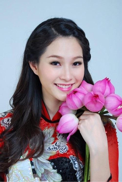 Hoa hậu Đặng Thu Thảo khác lạ với kiểu tóc mới 5
