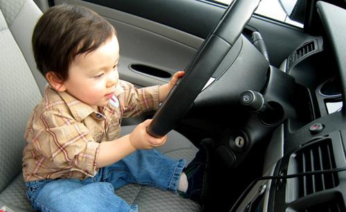 Những điều cần nhớ khi cho trẻ em đi ôtô 3