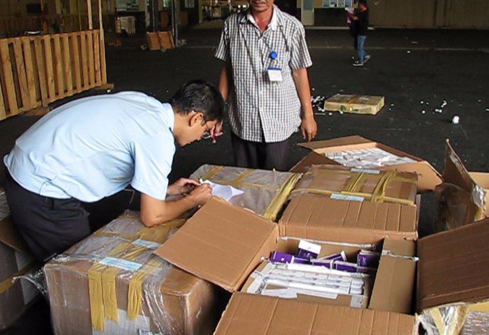 Lô tân dược trị giá gần 3 tỷ đồng nhập lậu qua sân bay Tân Sơn Nhất 1