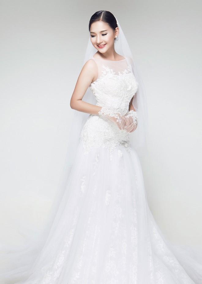 Vợ Duy Nhân đẹp lung linh trong bộ sưu tập váy cưới 1