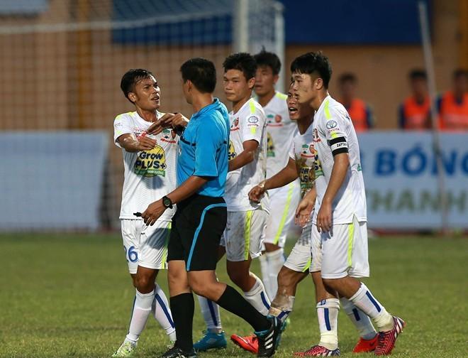 V-League sẽ có trọng tài ngoại ở cuối mùa giải 2015 1