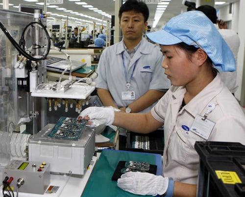 """Hình ảnh Thành phố Hồ Chí Minh đang """"khát"""" 140 nghìn lao động số 2"""