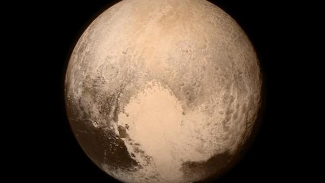 Video: Hình ảnh rõ nét nhất về Sao Diêm Vương hé mở sự thật bất ngờ 2