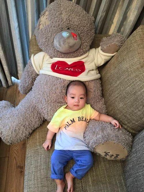 Hé lộ con trai 3 tháng tuổi của siêu mẫu Ngọc Thạch  3