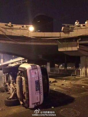 """Lái xe Range Rover thoát chết khi """"bay"""