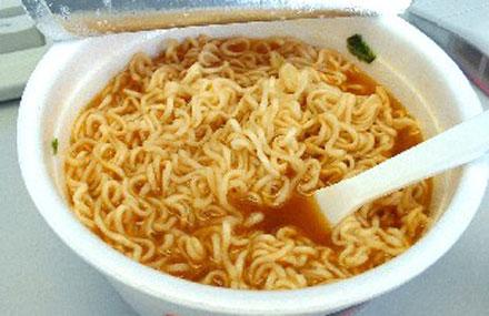 Những thực phẩm phổ biến, tiềm ẩn nguy hiểm đối với sức khỏe 2