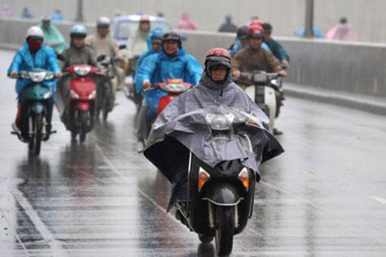 Kinh nghiệm đi xe máy an toàn trong mùa mưa bão 2