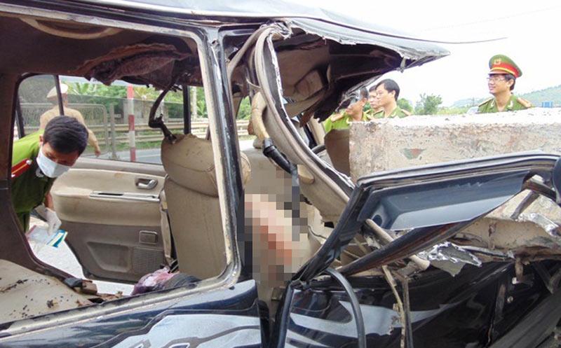 Tai nạn thảm khốc ở Thanh Hóa: Tạm giữ tài xế xe 7 chỗ 1