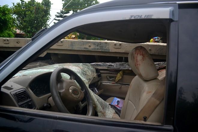 Hiện trường vụ tai nạn thảm khốc ở Thanh Hóa, 3 người tử vong 5