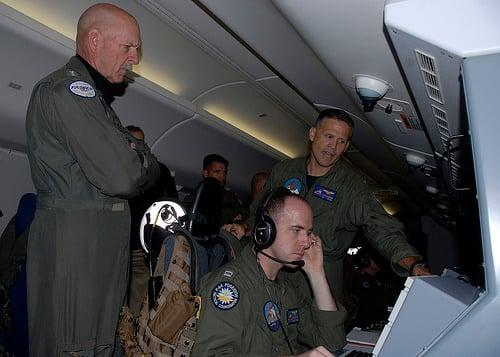 Tư lệnh Hạm đội Mỹ bay giám sát Biển Đông 3