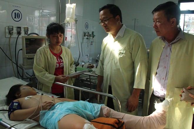 Vụ tai nạn ở cầu Thuận Phước, 3 người chết: Hai cháu bé qua cơn nguy kịch 1