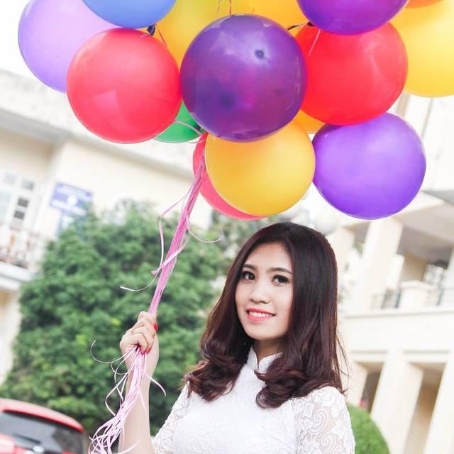 Hình ảnh Bán túi xách online, cô gái xinh đẹp thu chục triệu/tháng số 1