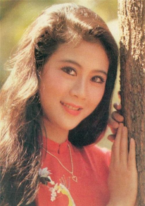 Hậu trường chụp ảnh lịch của Diễm Hương năm 1990 2