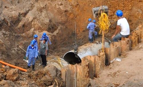 Vỡ đường ống nước sông Đà lần thứ 11, 70.000 hộ dân bị ảnh hưởng 1