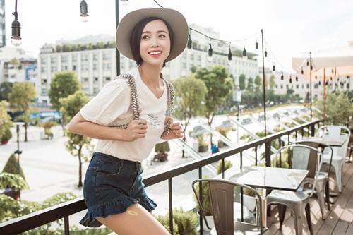 Vũ Ngọc Anh gợi cảm, trẻ trung với thời trang jeans 3