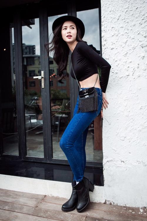 Vũ Ngọc Anh gợi cảm, trẻ trung với thời trang jeans 2