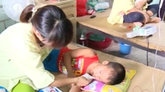 4 học sinh mầm non nhập viện cấp cứu do ăn phải 'bột lạ' tại trường 1