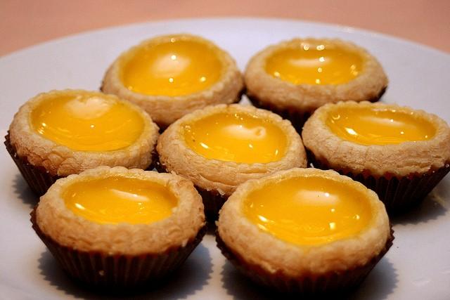Cách làm bánh trứng béo ngậy thơm ngon tại nhà 6