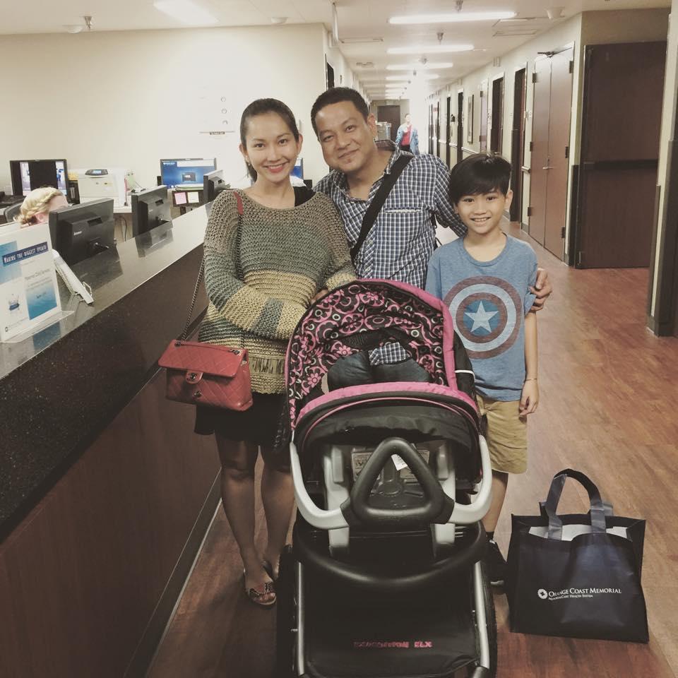 Facebook sao Việt: Mr Đàm nhí nhố cùng học trò, Kim Hiền ra viện sau sinh 3