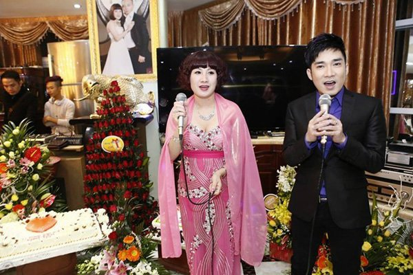 Sao Việt tiết lộ cát-xê gần nửa tỷ đồng khi hát đám cưới đại gia 5