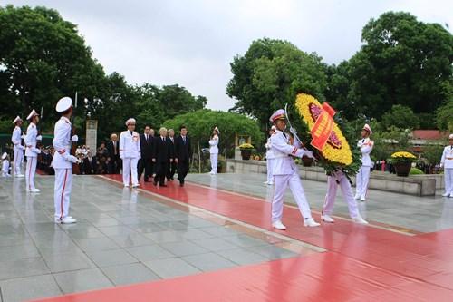 Chùm ảnh lãnh đạo Đảng và Nhà nước viếng lăng Chủ tịch Hồ Chí Minh 5