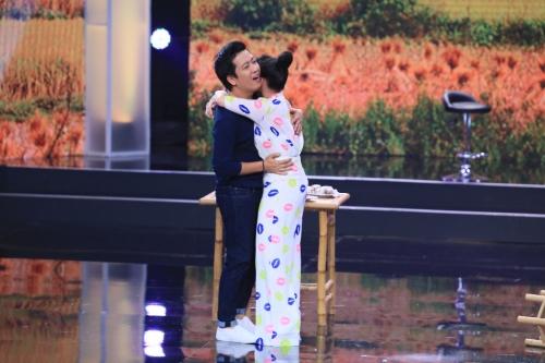 Bí mật đêm chủ nhật tập 5: Việt Hương đập đồ, khóc tức tưởi trên sân khấu 3