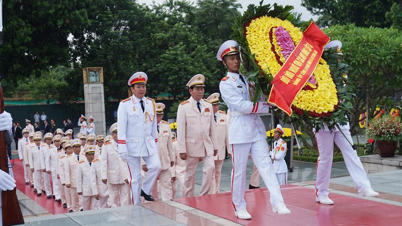 Chùm ảnh lãnh đạo Đảng và Nhà nước viếng lăng Chủ tịch Hồ Chí Minh 6