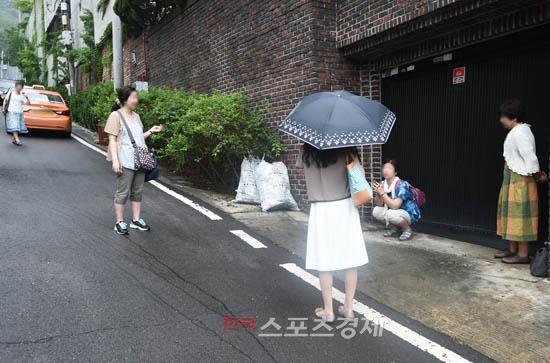 Bae Yong Joon khoe ảnh cưới trước giờ tiến vào lễ đường 5