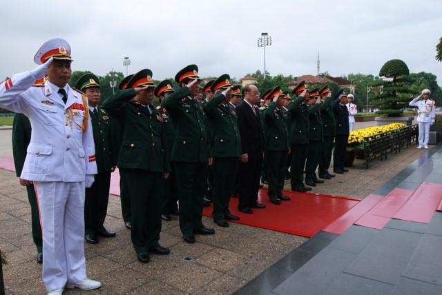 Chùm ảnh lãnh đạo Đảng và Nhà nước viếng lăng Chủ tịch Hồ Chí Minh 4