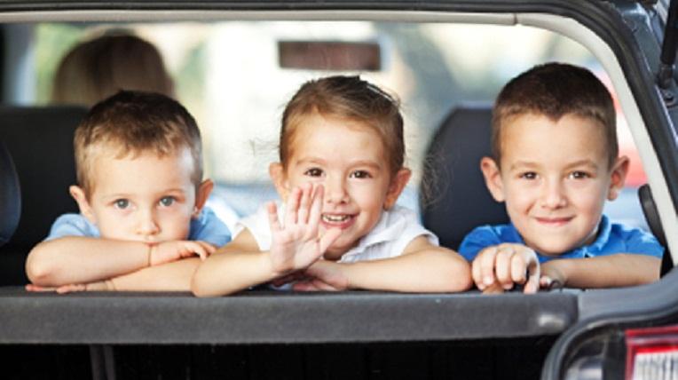Lái xe có trẻ em cần lưu ý những gì? 1