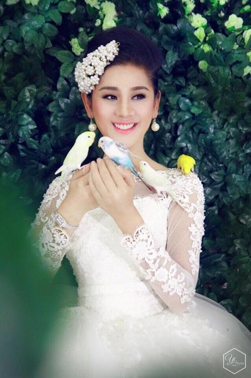 Lâm Chi Khanh bất ngờ đăng ảnh váy cưới 6