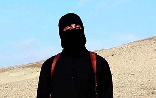 Lộ danh tính, đao phủ IS trốn chui lủi vì sợ bị chặt đầu 1