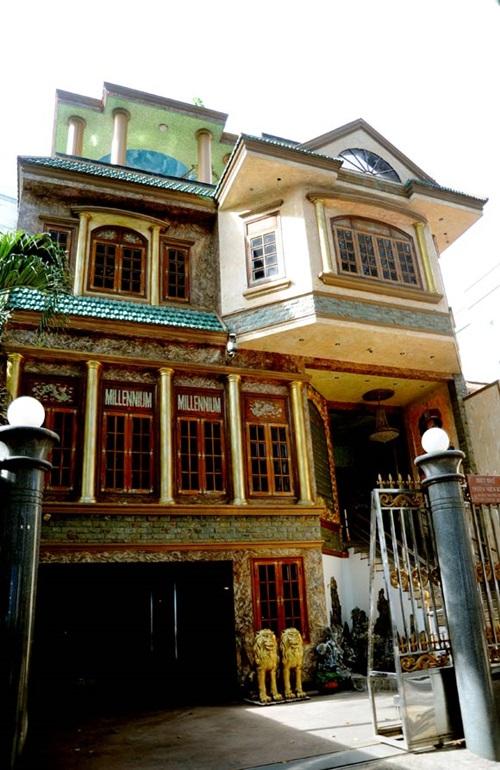 Những ngôi nhà mặt phố đắt đỏ của sao Việt 10