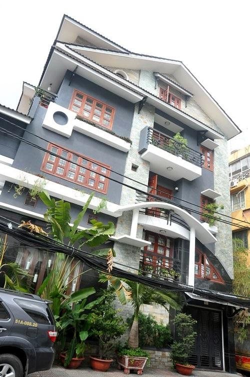 Những ngôi nhà mặt phố đắt đỏ của sao Việt 4