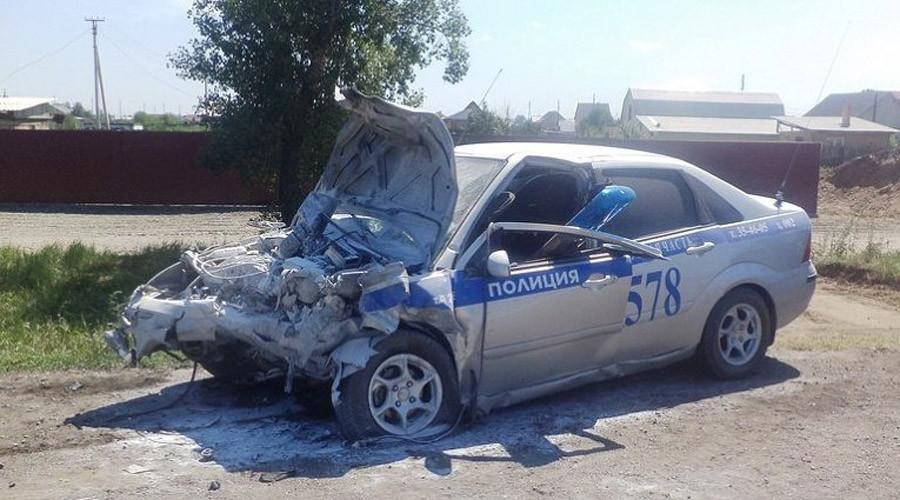 Cảnh sát Nga lao xe tuần tra vào ô tô ngược chiều để cứu 300 học sinh 3