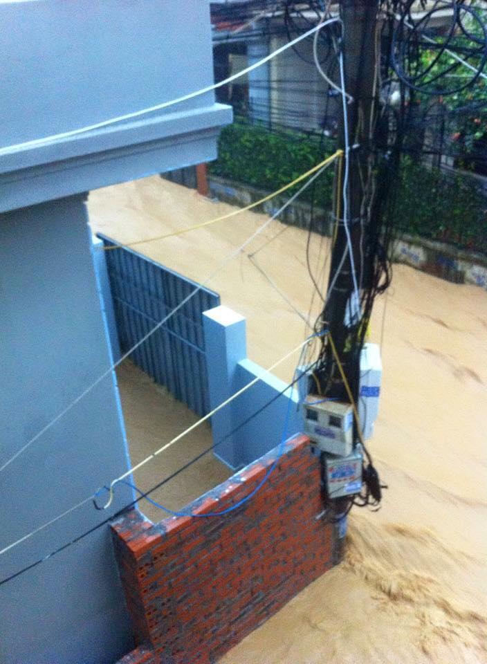 Cảnh tượng ngổn ngang sau trận mưa lụt lịch sử ở Quảng Ninh 8