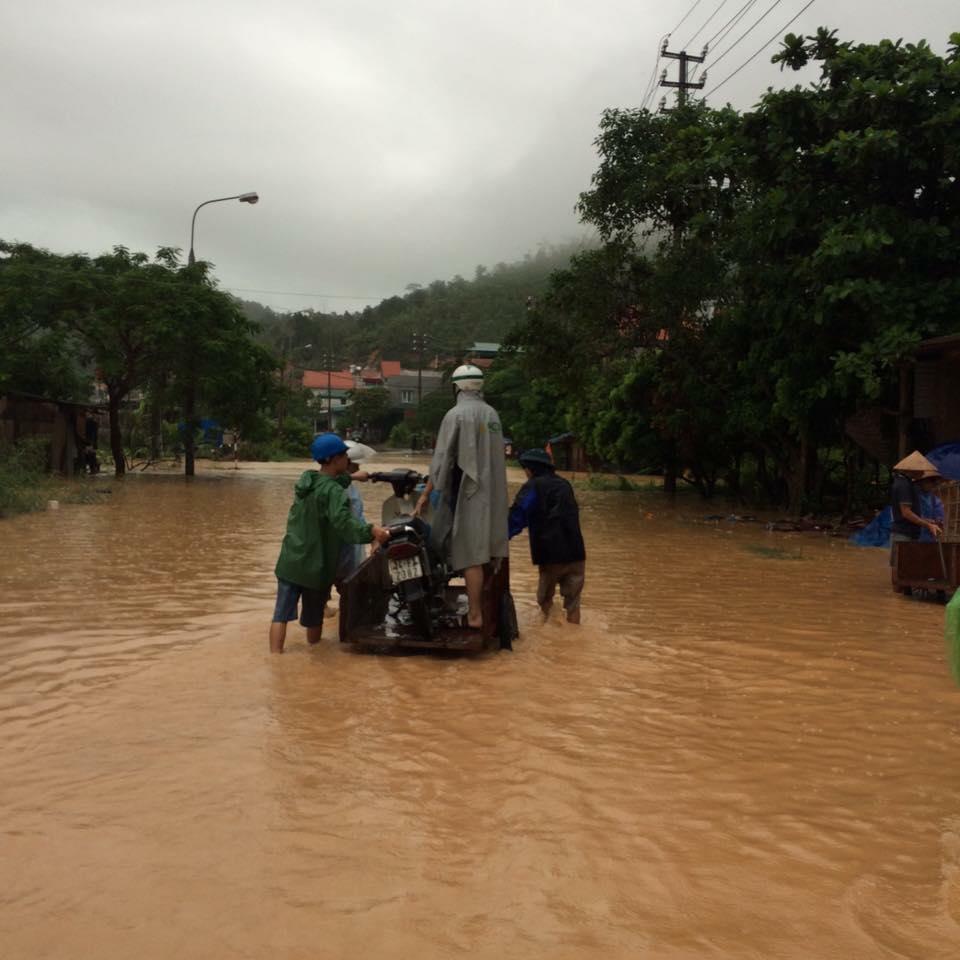 Cảnh tượng ngổn ngang sau trận mưa lụt lịch sử ở Quảng Ninh 3