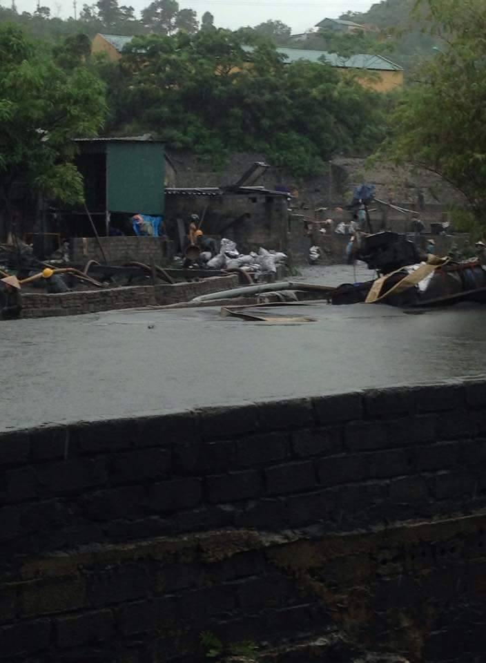 Cảnh tượng ngổn ngang sau trận mưa lụt lịch sử ở Quảng Ninh 4